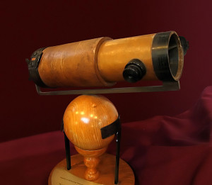 Newtons-Telescope-Replica